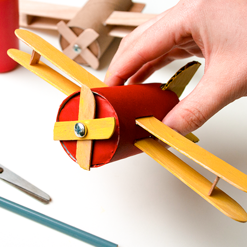 Avioncito de cartón